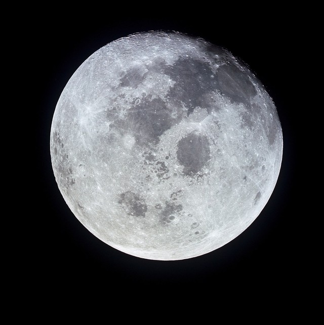 Melihat Indahnya Foto Bulan Paling Jelas di Dunia (12638)
