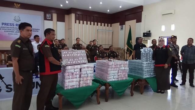 Dugaan Korupsi Proyek Keramba di Sabang, Kejati Aceh Sita Uang Rp36,2 Miliar (3).jpeg