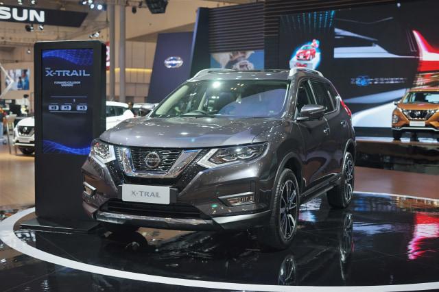 Nissan Vs Honda >> Perang Fitur Nissan X Trail Vs Honda Cr V Mana Lebih Unggul