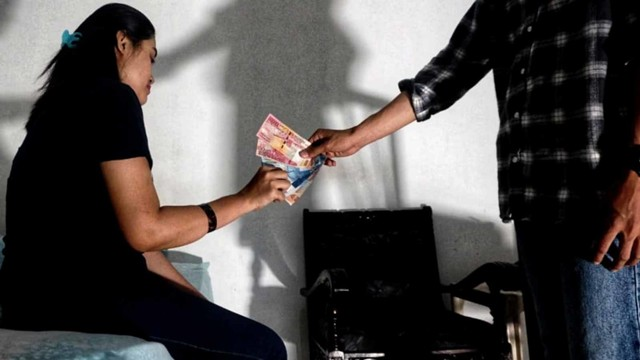 Prostitusi Terselubung: Izin Terang Bisnis Remang-remang (80314)