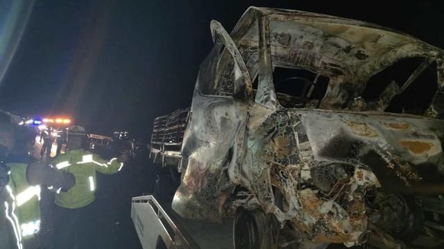 Tol Cipali Km 154, Majalengka, kendaraan mobil yang terbakar