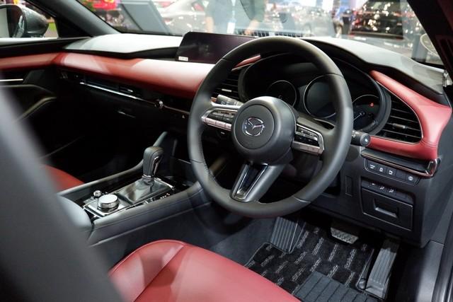 Komparasi Mazda 3 Hatchback Vs Honda Civic Hatchback (39937)