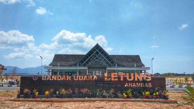 com-Kementerian Pariwisata, Bandar Udara Letung Anambas