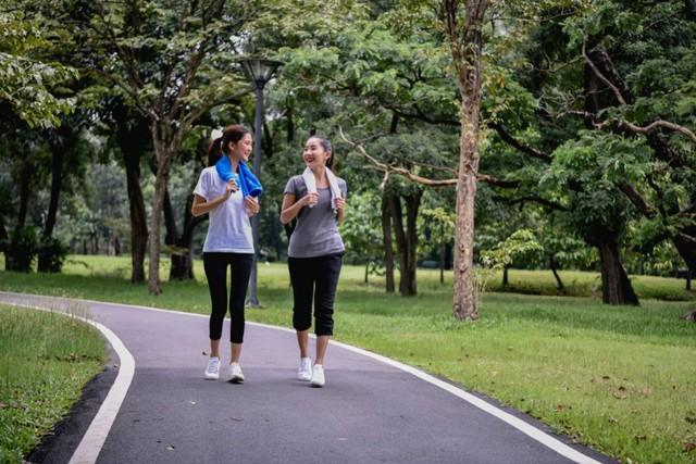 com-Campina, jalan-jalan atau olahraga di ruang terbuka