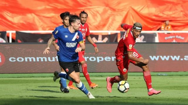 Foto: Kemenangan Persija Melawan PSM di Leg I Final Piala Indonesia (36315)