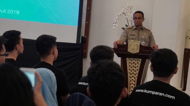 Peserta kumparan Academy Bertemu Anies Baswedan di Balai Kota (6054)