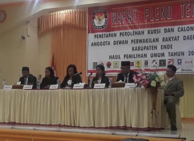Ini 30 Anggota DPRD Ende Periode 2019 - 2024 yang Ditetapkan KPU Ende (5721)