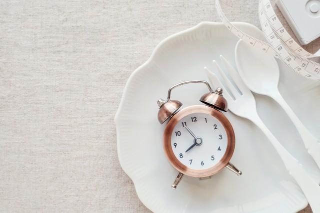 Mengenal Diet Intermiten untuk Turunkan Berat Badan, Adakah Bahayanya? (107999)