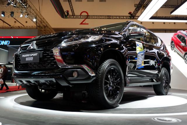 Mitsubishi Pajero Sport RF Black Edition Masih Sisa 158 Unit (5353)