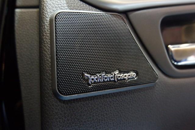 Mitsubishi Pajero Sport RF Black Edition Masih Sisa 158 Unit (5356)