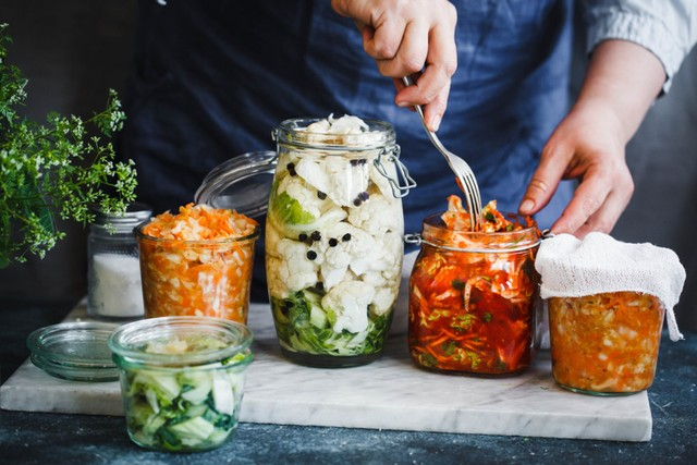 5 Pilihan Makanan Terbaik untuk Meredakan Rasa Cemas Menurut Ahli Nutrisi (60190)