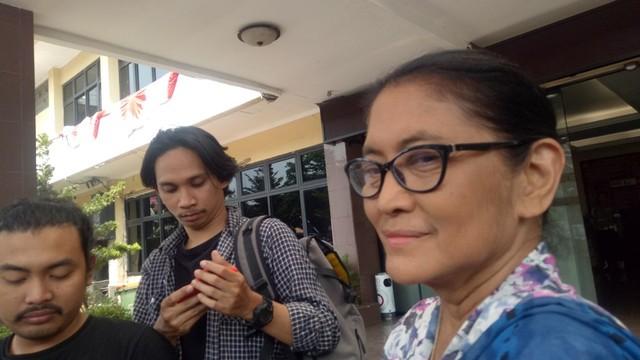 Jajang C. Noer Tak Yakin Robby Ertanto Pakai Narkoba (160110)