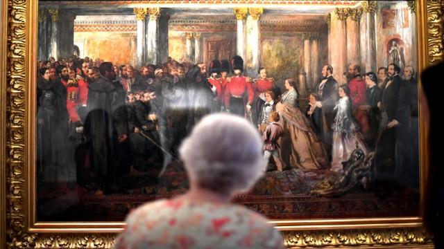 Kerajaan Inggris Pernah Larang Warga Selain Kulit Putih Kerja di Istana (70638)