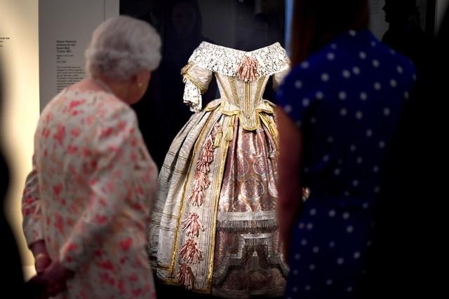 Menelisik Kisah Hidup Ratu Victoria dalam Pameran di Istana Buckingham (197879)