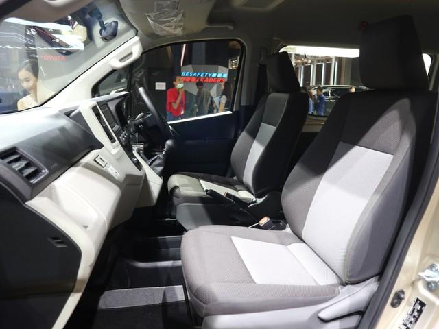 Toyota HiAce 'Premio' Meluncur, Lebih Mahal Rp 40 Jutaan (26319)