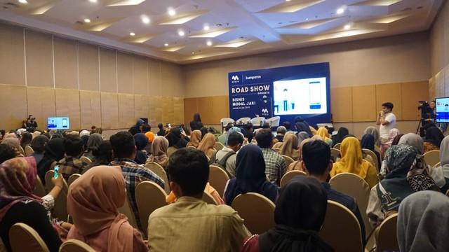 com-Roadshow Mediv Surabaya, para peserta mulai memasuki venue.