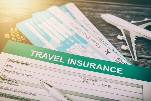 Ilustrasi Asuransi Traveling