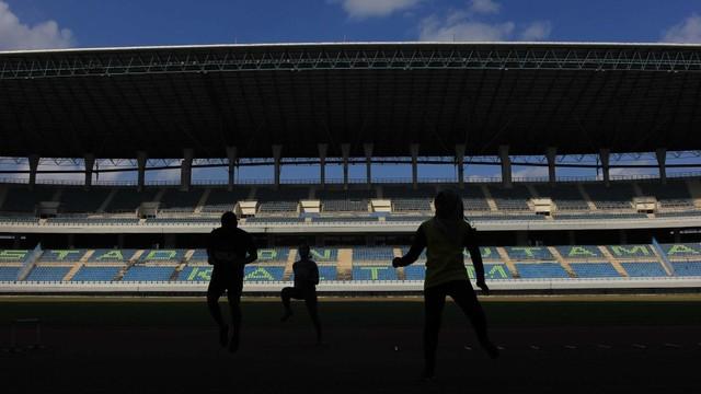 Kisah Miris Stadion Palaran: Harus 'Berebut' Anggaran Pemprov Kaltim (18500)