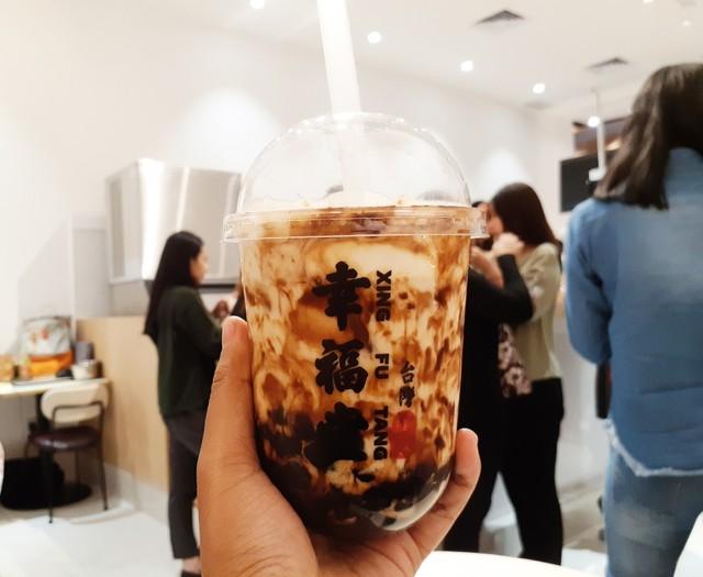 Ini Dia Brown Sugar Boba Milk dari Xing Fu Tang yang Bikin Ngantri (389983)