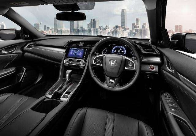 Komparasi Mazda 3 Hatchback Vs Honda Civic Hatchback (39938)