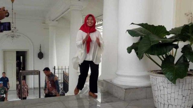 Semringah, Baiq Nuril Temui Jokowi di Istana (110547)