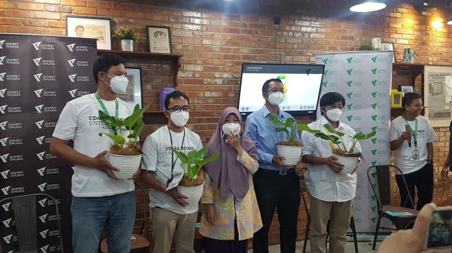 Masyarakat Diimbau Pakai Masker untuk Cegah Dampak Polusi di Jakarta (259692)