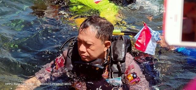Foto: Kapolri Ikut Pecahkan Rekor Dunia Selam di Manado (57212)