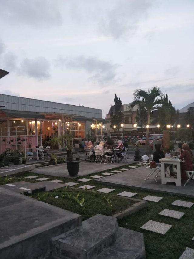 Referensi 5 Cafe Instagramable di Kota Malang (359700)
