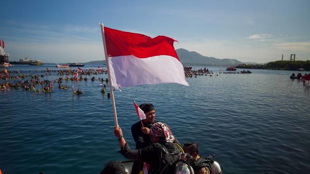 2 Rekor Dunia Pecah: 3.131 Penyelam dan Bentangkan 1.014 M Merah Putih (373499)