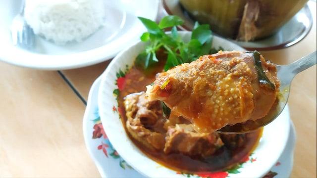 Nikmatnya Pedesan Entog Mas Nana Kuliner Khas Kabupaten Cirebon Kumparan Com