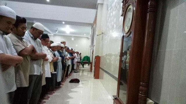 Ketua Yayasan Pondok Pesantren (Ponpes) Al Mukmin Ngruki, Desa Cemani, Kecamatan Grogol, Kabupaten Sukoharjo Jawa Tengah, KH Wahyudin (67) meningal dunia