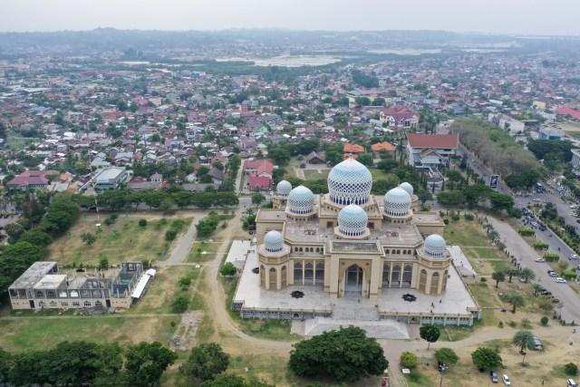 Foto: Masjid Agung Islamic Center, Ikon Kota Lhokseumawe (59420)