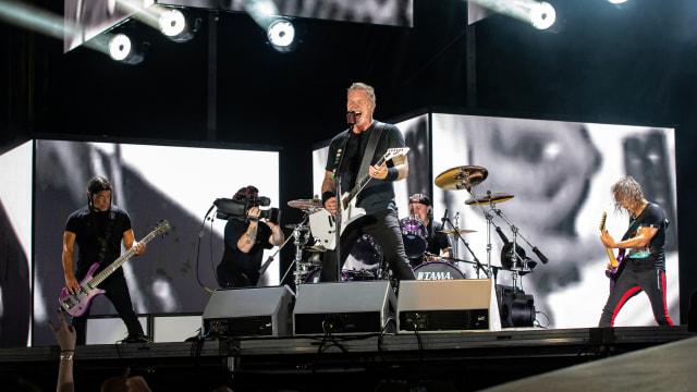 Metallica Rilis Boxset Terbatas untuk 100 Fans Setia (314348)
