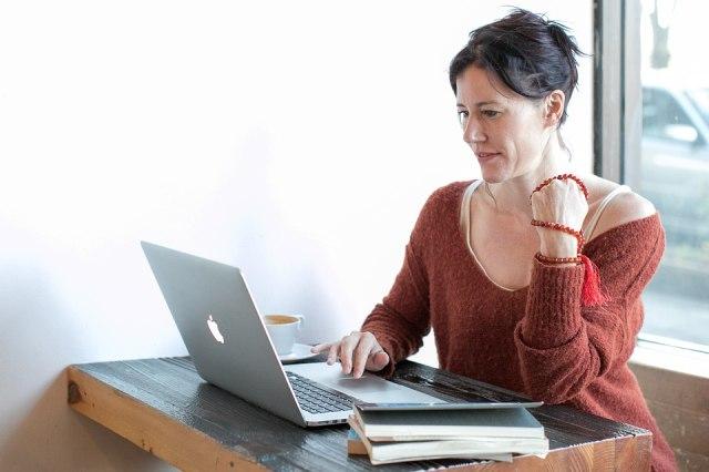 7 Tipe Cowok Yang Harus Dihindari Saat Kencan Online Kumparan Com