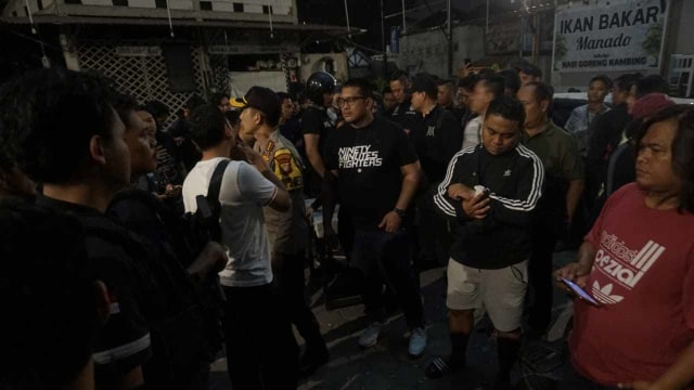 Foto: Kondisi Pascarusuh di Komandan Cafe, Tebet  (852269)