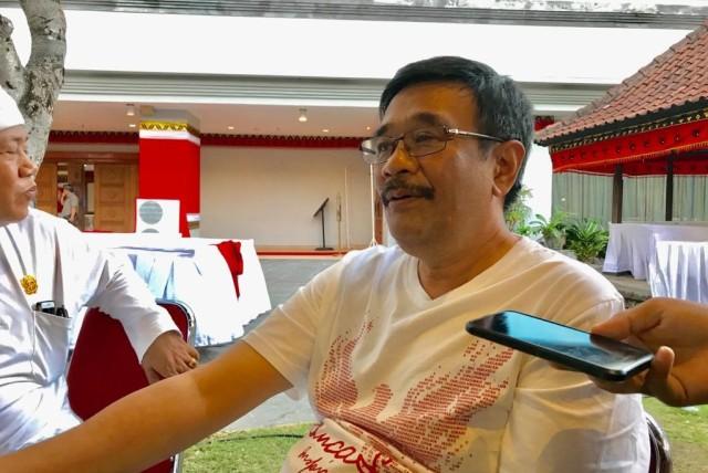 Jarot : Soal Ketua Harian di DPP PDIP Tergantung Megawati  (69125)