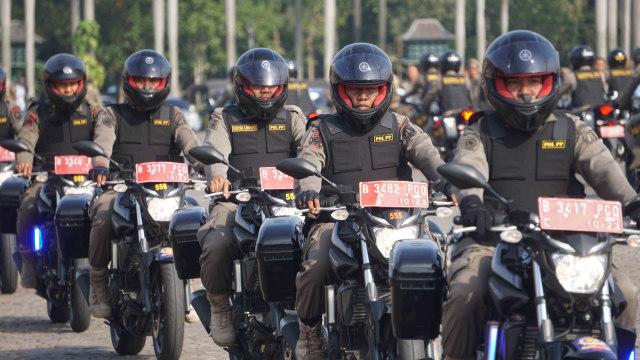 Satpol PP DKI Patroli Pastikan Tempat Hiburan di Jakarta Tutup (27924)