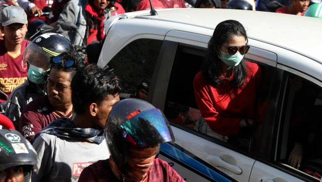 Foto: Ribuan Suporter Hadiri Pawai Kemenangan PSM Makassar (22327)