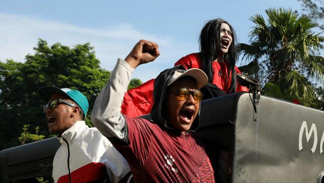 Foto: Ribuan Suporter Hadiri Pawai Kemenangan PSM Makassar (22323)