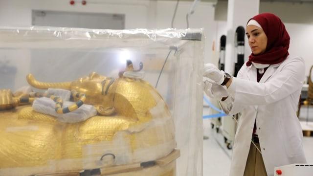 Indahnya Peti Mati Berlapis Emas Milik Tutankhamun, Firaun Muda Mesir (1)