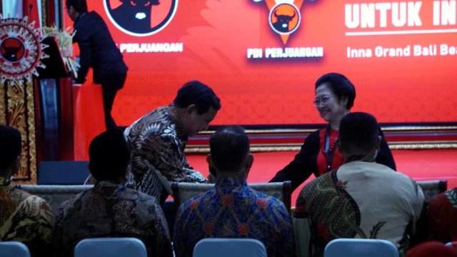 Momen Kemesraan Politik Megawati - Prabowo  (56672)