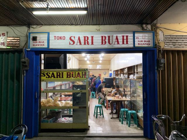 Mencicipi 'Es Nona Sari Buah', Kuliner Legendaris Khas Pontianak (956139)