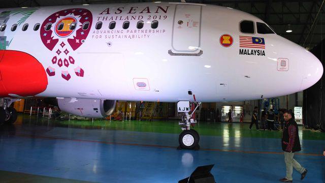 "AirAsia Airbus A320,  corak ""livery"" baru bertema ""Sustainable ASEAN"""