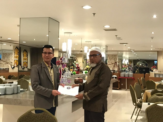 Hotel Maestro Pontianak Serahkan Hewan Kurban (215123)