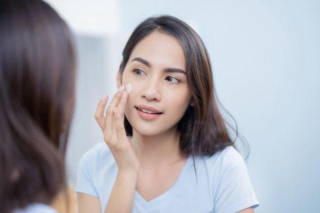 Ketahui 4 Manfaat Minyak Bunga Mawar untuk Kesehatan dan Kecantikan Kulit (321253)