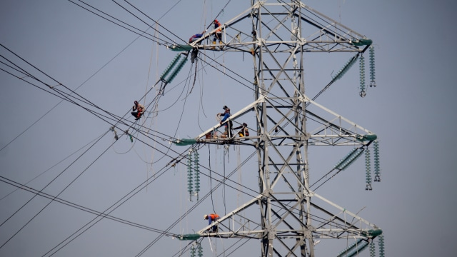 Blackout, Mati listrik massal, Menara SUTET