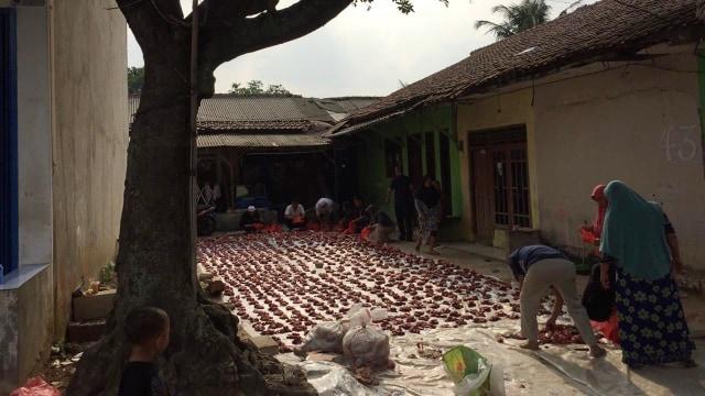 Drama Sapi di Idul Adha: Seruduk Jemaah Salat Id hingga Sepak Jagal (10783)