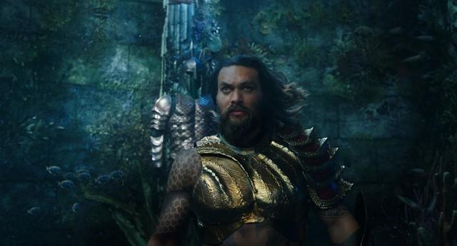 Jason Momoa sebagai Aquaman