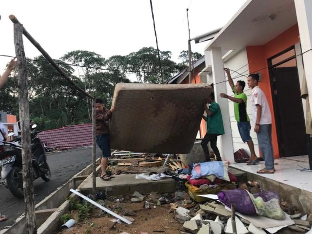 Lebih dari 40 Rumah di Kalbar Rusak Diterjang Angin Kencang (213046)