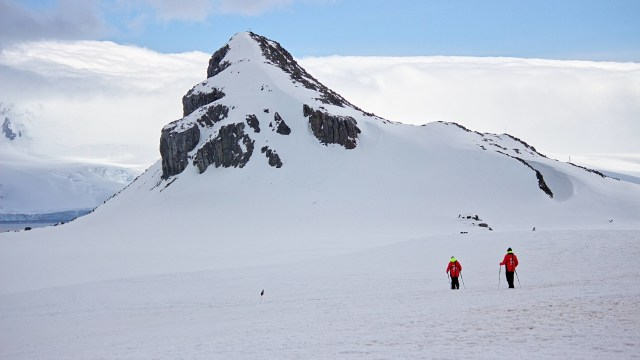 Airbnb Ajak Traveler Pemberani untuk Liburan Gratis di Antartika, Mau? (180969)